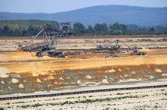 Σκάψιμο εκσκαφέων στο ανθρακωρυχείο Kostolac Σερβία ανοικτών κοιλωμάτων Στοκ φωτογραφία με δικαίωμα ελεύθερης χρήσης