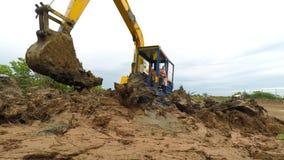 Σκάψτε το έδαφος απόθεμα βίντεο