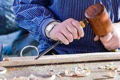 Σκάψτε το εργαλείο ξυλουργών ξύλινων σμιλών. στοκ φωτογραφία με δικαίωμα ελεύθερης χρήσης