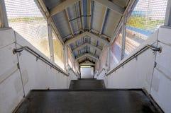 Σκάλα στο σταθμό τρένου, ΛΦ στοκ φωτογραφία με δικαίωμα ελεύθερης χρήσης