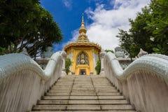 Σκάλα του ταϊλανδικού ναού Στοκ Εικόνες