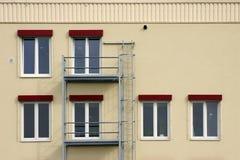 Σκάλα υλικών σκαλωσιάς και πυρκαγιάς Στοκ φωτογραφίες με δικαίωμα ελεύθερης χρήσης