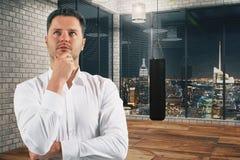σκέψη σειράς χρηματοδότησης επιχειρησιακών επιχειρηματιών Στοκ εικόνες με δικαίωμα ελεύθερης χρήσης