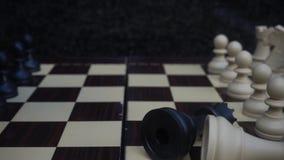 Σκακιέρα και πέτρες απόθεμα βίντεο
