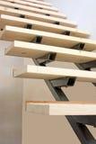 σκαλοπάτια κατασκευής κάτω Στοκ Εικόνες
