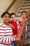 σκαλοπάτια μητέρων παιδιών Στοκ φωτογραφία με δικαίωμα ελεύθερης χρήσης
