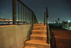 σκαλοπάτια νύχτας στοκ εικόνα
