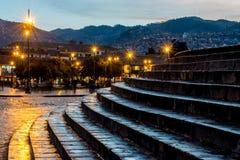 Σκαλοπάτια που οδηγούν στο κύριο τετράγωνο Cusco Plaza de Armas σε Cusco, Περού Στοκ φωτογραφία με δικαίωμα ελεύθερης χρήσης