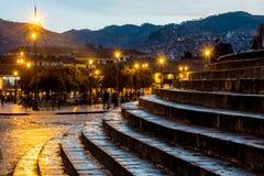 Σκαλοπάτια που οδηγούν στο κύριο τετράγωνο Cusco Plaza de Armas σε Cusco, Περού Στοκ εικόνες με δικαίωμα ελεύθερης χρήσης
