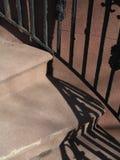 σκαλοπάτια σκιών ραγών στοκ εικόνες
