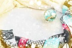 Σκανδιναβική σφαίρα Χριστουγέννων μαντίλι πλαισίων σύνθεσης Χριστουγέννων Στοκ φωτογραφίες με δικαίωμα ελεύθερης χρήσης