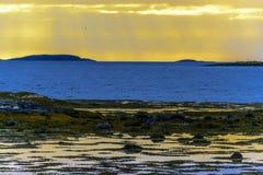Σκανδιναβικό άσπρο Seascape νύχτας Στοκ Εικόνα