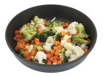 Σκανδιναβικά μικτά λαχανικά σε ένα τηγανίζοντας τηγάνι Στοκ φωτογραφίες με δικαίωμα ελεύθερης χρήσης