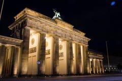 Σκαπάνη Brandenburger τη νύχτα Στοκ Εικόνα