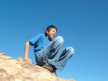 Σκαρφαλωμένο αγόρι Στοκ φωτογραφίες με δικαίωμα ελεύθερης χρήσης