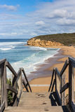 Σκαλοπάτια που οδηγούν στην αυστραλιανή παραλία Στοκ εικόνες με δικαίωμα ελεύθερης χρήσης