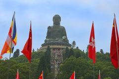 Σκαλοπάτια που οδηγούν στο άγαλμα του μεγάλου Βούδα, Po Lin βουδιστικό μοναστήρι, Χονγκ Κονγκ Στοκ φωτογραφίες με δικαίωμα ελεύθερης χρήσης