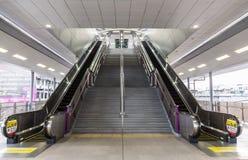 Σκαλοπάτια σε έναν σταθμό τρένου ουρανού στη Μπανγκόκ Στοκ Φωτογραφία