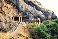 Σκαλοπάτια σε μια από τις σπηλιές Ellora ηλικίας φωτογραφία Στοκ Εικόνα