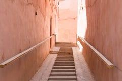 Σκαλοπάτια σε μια παλαιά πόλη Στοκ εικόνα με δικαίωμα ελεύθερης χρήσης