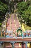 Σκαλοπάτια στην είσοδο των σπηλιών Μαλαισία Batu Στοκ εικόνα με δικαίωμα ελεύθερης χρήσης