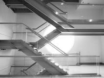 Σκαλοπάτια στο κτήριο, σύγχρονο ύφος Στοκ Φωτογραφία