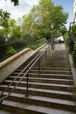 Σκαλοπάτια του Παρισιού Montmartre σε Sacre Coeur Στοκ εικόνα με δικαίωμα ελεύθερης χρήσης