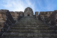 Σκαλοπάτι Angkor wat επάνω Στοκ εικόνες με δικαίωμα ελεύθερης χρήσης