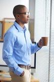 Σκεπτικός επιχειρηματίας στοκ φωτογραφίες