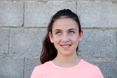 Σκεπτικός το κορίτσι με τα μπλε μάτια Στοκ φωτογραφία με δικαίωμα ελεύθερης χρήσης