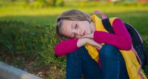 Σκεπτικό κορίτσι παιδιών Στοκ φωτογραφία με δικαίωμα ελεύθερης χρήσης