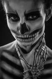 Σκελετός κοριτσιού στο στούντιο Στοκ φωτογραφία με δικαίωμα ελεύθερης χρήσης
