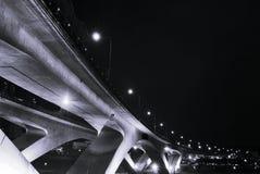 σκηνές νύχτας πόλεων γεφυ&r Στοκ εικόνες με δικαίωμα ελεύθερης χρήσης