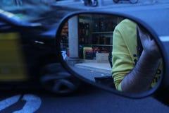 Σκηνές πόλεων καθρεφτών στοκ εικόνες με δικαίωμα ελεύθερης χρήσης