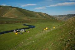 Σκηνές στρατοπέδευσης στο μογγολικό λιβάδι Στοκ Εικόνα