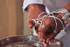Σκηνή αγάπης γαμήλιων ζευγών Στοκ φωτογραφία με δικαίωμα ελεύθερης χρήσης