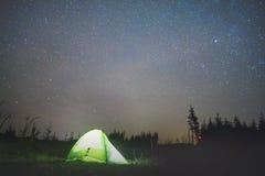 σκηνή αστεριών κάτω Στοκ εικόνα με δικαίωμα ελεύθερης χρήσης