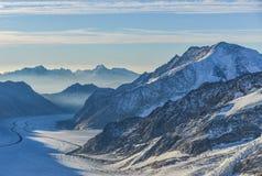Σκηνή βουνών από το σταθμό Jungfraujoch στοκ εικόνες