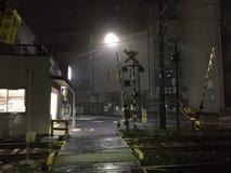 Σκηνή ενός σταθμού στην Ιαπωνία τη νύχτα στοκ φωτογραφίες με δικαίωμα ελεύθερης χρήσης