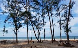 Σκηνή θάλασσας από την παραλία Pak Panang, ακρωτήριο Talumpuk, Ταϊλάνδη στοκ εικόνες