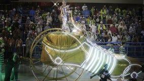 Σκηνή θέματος ποδοσφαίρου στην παρέλαση σταδίων Sambodromo καρναβάλι Στοκ Εικόνα