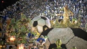 Σκηνή θέματος ποδοσφαίρου στην παρέλαση σταδίων Sambodromo καρναβάλι Στοκ Εικόνες