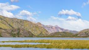 Σκηνή λιμνών και τοπίων βουνών - Παταγωνία - Αργεντινή Στοκ φωτογραφία με δικαίωμα ελεύθερης χρήσης