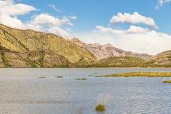 Σκηνή λιμνών και τοπίων βουνών - Παταγωνία - Αργεντινή Στοκ Φωτογραφίες