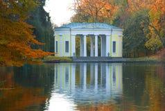 Σκηνή λιμνών πάρκων φθινοπώρου Στοκ Φωτογραφία