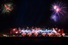 Σκηνή και πυροτεχνήματα νύχτας της Ιστανμπούλ Στοκ Φωτογραφίες