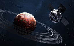 Σκηνή κόσμου με τους πλανήτες, τα αστέρια και τους γαλαξίες στο μακρινό διάστημα που παρουσιάζει την ομορφιά της εξερεύνησης του  Στοκ Εικόνες