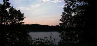 σκηνή λιμνών Στοκ εικόνα με δικαίωμα ελεύθερης χρήσης