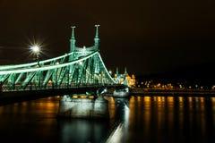 Σκηνή νύχτας της γέφυρας της Elisabeth στη Βουδαπέστη Στοκ Φωτογραφία