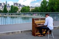Σκηνή 7 οδών του Παρισιού στοκ φωτογραφία με δικαίωμα ελεύθερης χρήσης